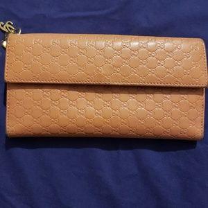 "Gucci wallet 7.5""lx4.5""h"